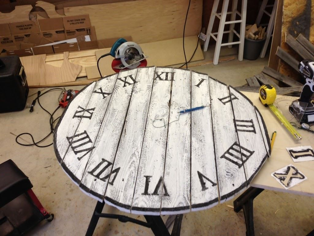 DIY Fence Panel Clock Wilker Dos