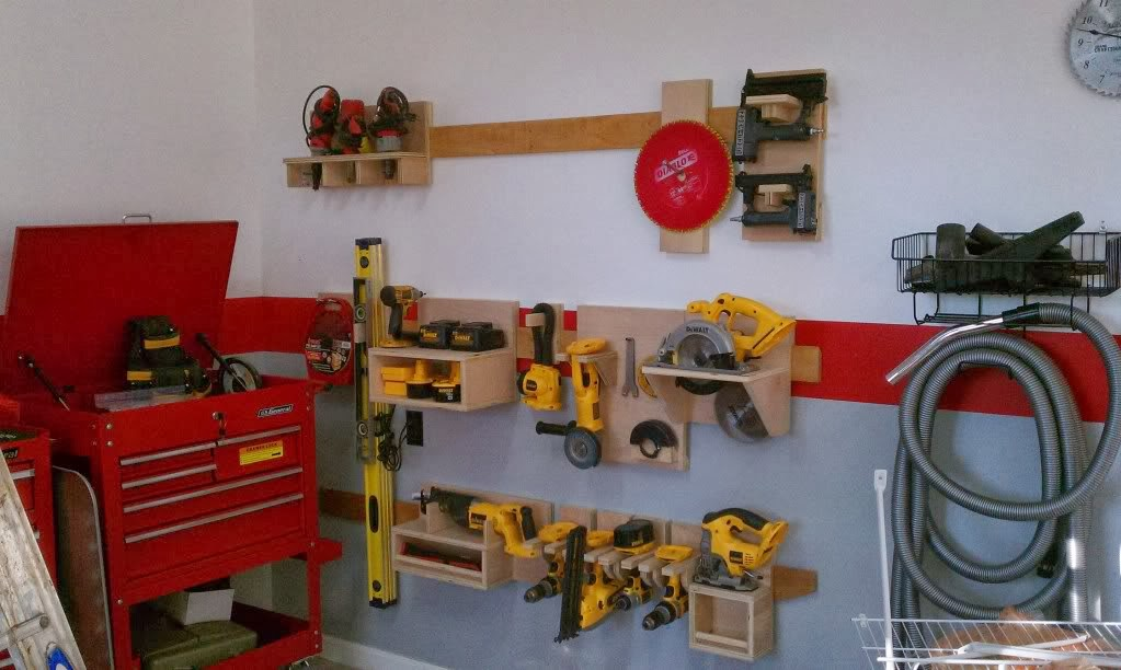 If you are looking for alternatives to store your tools here is a small collection of photos that caught my eye when I was debating on how I was going to ... & DIY Power Tool Storage System - Wilker Dou0027s