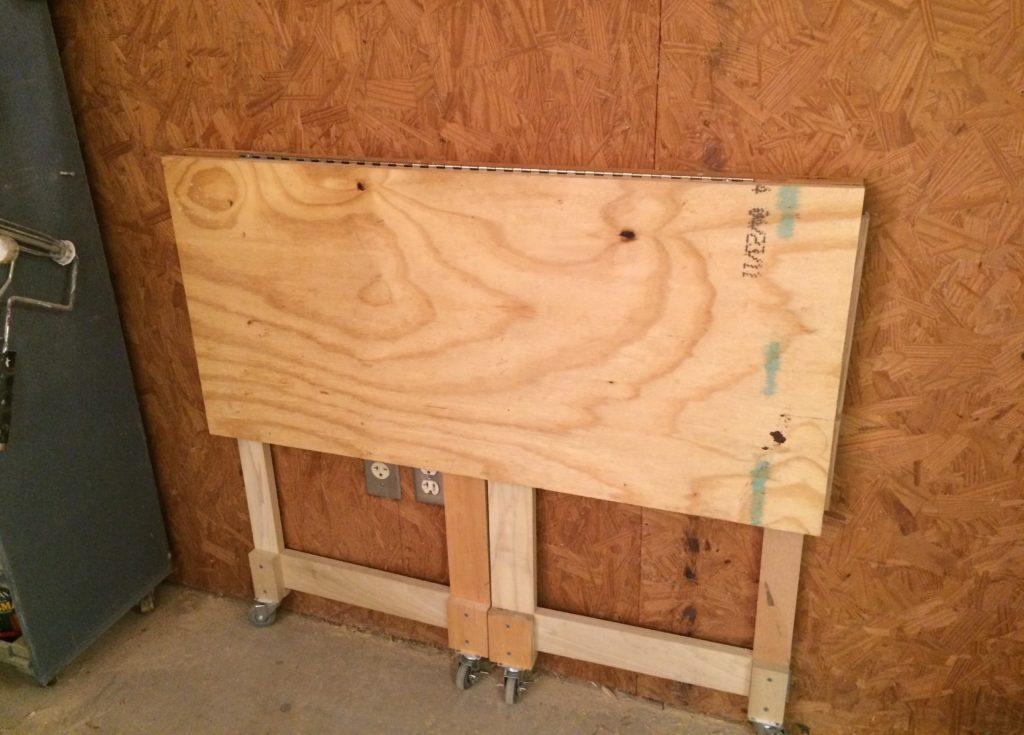 狭いスペースを有効活用♪折りたたみ作業台のハウツーを2通り紹介! Diyer S │リノベと暮らしとdiy。